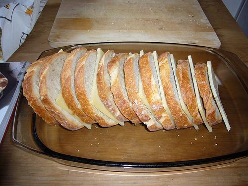 Brot und Käse von SurfGuard auf Flickr.com
